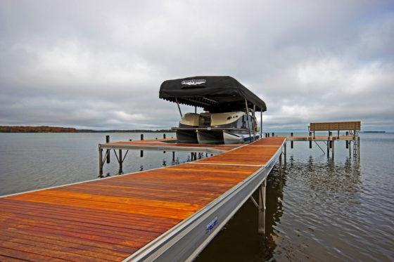 cedar-dock-lift-bench