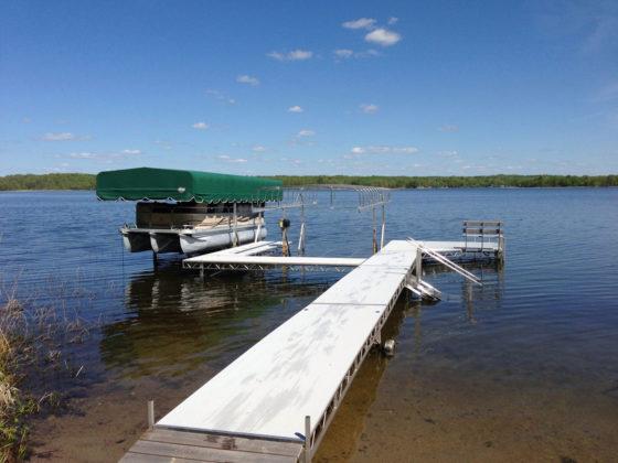 dock-canpoy-lift