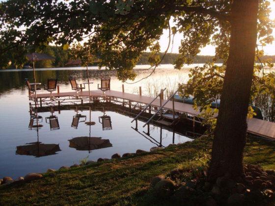 seats-docks-lake
